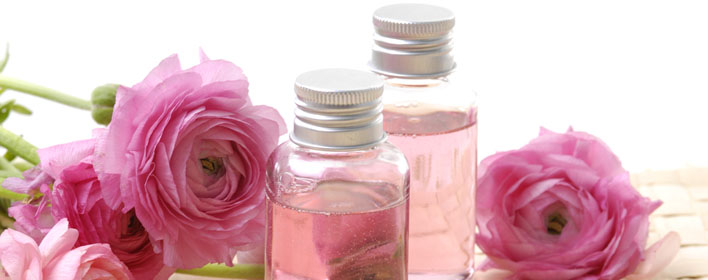 ортопедическая подушка с лепестками роз