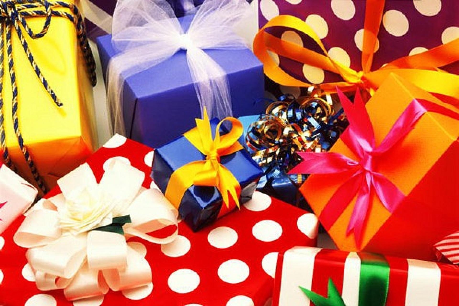 подарки на новый год,8 марта,23 февраля